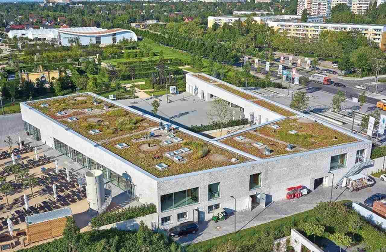 """EPDM-Dachbahn für Neubau eines Besucherzentrums für die """"Gärten der Welt"""" in Berlin-Marzahn"""