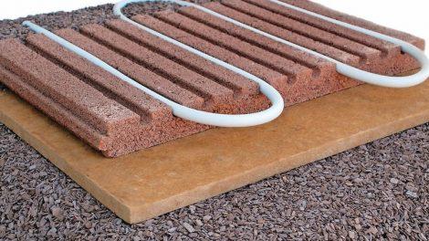 Ausgleichsschüttungen mit mineralisierten Holzspänen. Bild: Cemwood