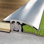 Fugenschutz für den Übergang zwischen Laminat und Teppichboden. Bilder: Proline-Systems
