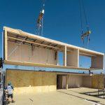 Verbaut wurden insgesamt 17025 m² OSB, also etwa 346 m³ OSB – das entspricht ca. 346 t eingespartem Kohlendioxid. Bild: Erne AG Holzbau | Raumwerk & Spreen Architekten AG | Thomas Koculak