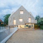 Kork und Stampfbeton sind natürliche Baumaterialien. Bild: Gui Rebelo / rundzwei Architekten