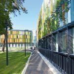 Zwei große Glasdächer sorgen im neuen Forschungs- und Laborgebäude des DZNE in Bonn für eine hohe Aufenthaltsqualität und lichtdurchflutete Innenräume. Bilder: Velux / Jesper Blaesild