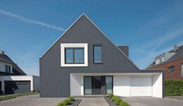 Einfamilienhaus in Drensteinfurt mit speziellem WDVS-Fassadenanstrichsystem für dunkle Farbtöne. Bild: Brillux