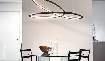 Lichtskulptur wie ein Möbiusband