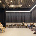 Der kleine Filmsaal fördert das kreative Lernen insbesondere im Bereich Film und Theater. Bild: Sónia Arrepia