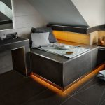 Boden und Sitz- bzw. Liegefläche sind temperierbar und machen diesen Bereich zu einer vielseitig nutzbaren Komfort-Insel. Bild: Schlüter-Systems