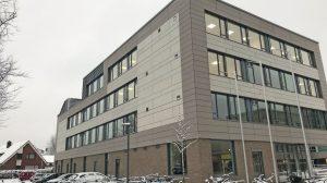 Lüftungsgeräte (dezentral) mit WRG und niedrigem Energieverbrauch sind besonders geeignet für die Frischluftversorgung von Schulräumen bei leisem Betrieb. Bild: Airflow