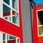 Fassaden: Baumit PuraTop wurde für langanhaltend saubere Fassaden entwickelt. Wirkweisen sind: Selbstreinigung, vergrößerte Oberfläche oder CoolPigments. Bild: Baumit
