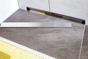 Bodengleiche Duschen: Durchgängig gefliester Duschboden