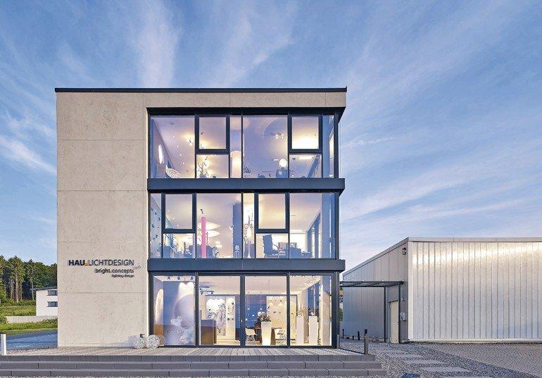Betonoptik - Täuschend echt: Neubau eines Bürogebäudes mit Showroom in Waldesch