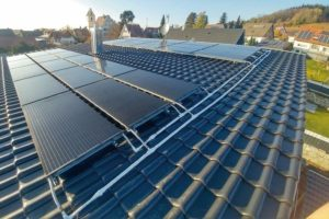 Sonnenkollektor für Wärmepumpen: effizient und klimafreundlich. Bild: Consolar