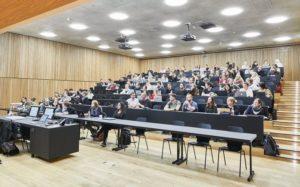 Hörsaal in der Fachhochschule in Muttenz von pool Architekten