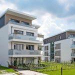 100 m² großes Penthouse mit zwei Dachterrassen: Die Befestigung der umlaufenden Stahlbeton-Brüstung lösten die Planer mit Isokorb XT Typ A. Bild: Schöck Bauteile GmbH