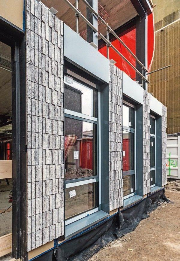 Fensterinstallation, Baustelle