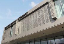 Faltschiebeläden am Kongresszentrum in Würzburg. Bild: Baier GmbH
