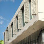Gebäude mit überkragendem zweiten Stockwerk. Bild: Baier GmbH