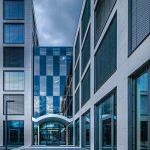 Dimmbares Glas: Gesamtenergiedurchlassgrad bis 8 %. Bild: EControl-Glas | Fotograf: DIGIWORLD.tv