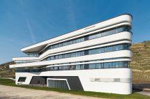 Neubau eines Büro- und Veranstaltungsgebäudes in Esslingen von Fritzen28 Architekten