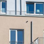 Hausfassaden mit Fallrohren. Bild: Sita Bauelemente GmbH