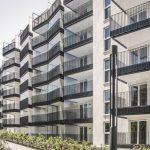 Balkon mit Verglasungssystem schafft Schalldämmung von über 11 dB. Bild: Solarlux GmbHL,_noch_keine_Weitergabe_an_Dritte!