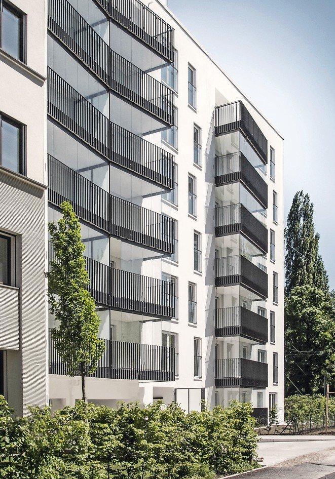 Häufig Balkon mit Verglasungssystem schafft Schalldämmung von über 11 dB RO53