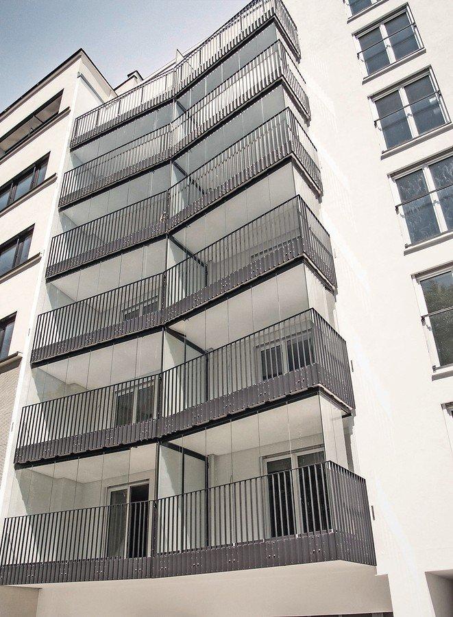 Berühmt Balkon mit Verglasungssystem schafft Schalldämmung von über 11 dB VD92