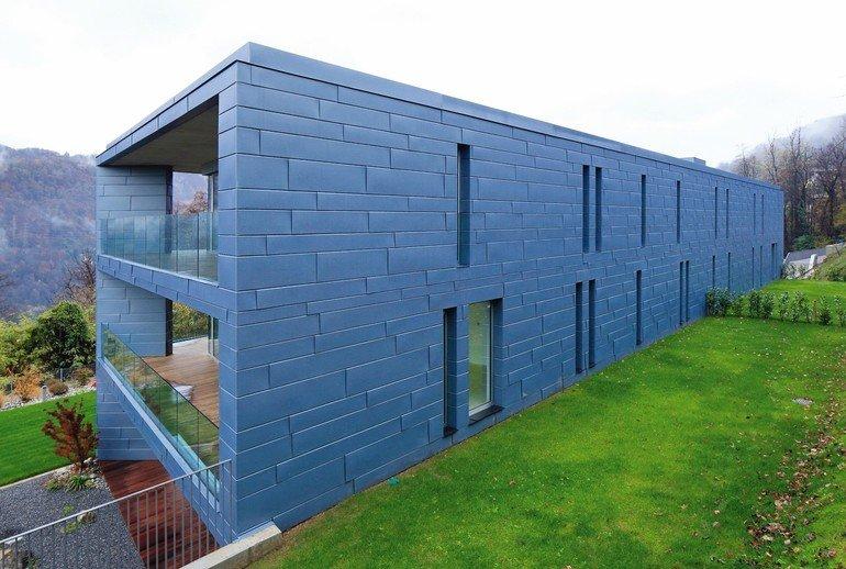 Fassade aus blauen Titanzink-Elementen. Bild: VMZINC | Paul Kozlowski