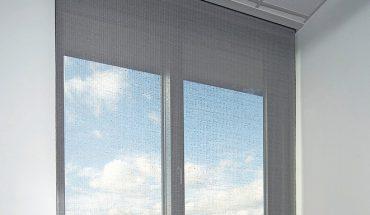Innenliegender Sonnenschutz: Behang bietet individuelle Durchsicht je nach Dehnung