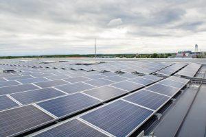 Durchdringungsfreie Montagesysteme für PV-Anlagen auf dem Flachdach
