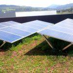Durchdringungsfreie Systeme für Gründächer nutzen die Vegetationsschicht als Ballast. Bild: Optigrün