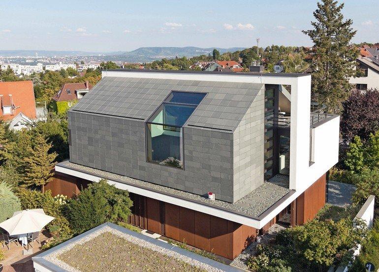 Das Dach Wurde Mit Modernen: Grüner Schiefer Für Dach Und Fassade Einer Stadtvilla In