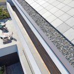 Grüner Schiefer prägt nicht nur das Dach, sondern auch Brüstungen und Terrassen. Bild: Rathscheck Schiefer