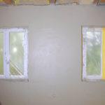 Rohbau mit offen liegenden Deckenbalken