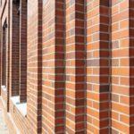 Abgestufte Fassade in Klinker