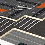 Isolierplatten werden verklebt. Bild: Bauder