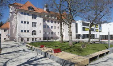 Widerstandsfähige Gipsfaser-Platten für Erweiterung einer Dresdner Schule.