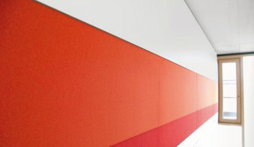 Raumakustik an und mit der Wand: Akustikbilder, Wand- und Standabsorber