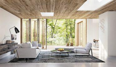 Glas-Faltwand aus schlanken Holzprofilen mit reduziertem Design und innovativer Technik: Stabil, wärmedämmend und optional barrierefrei.. Bild: Solarlux GmbH