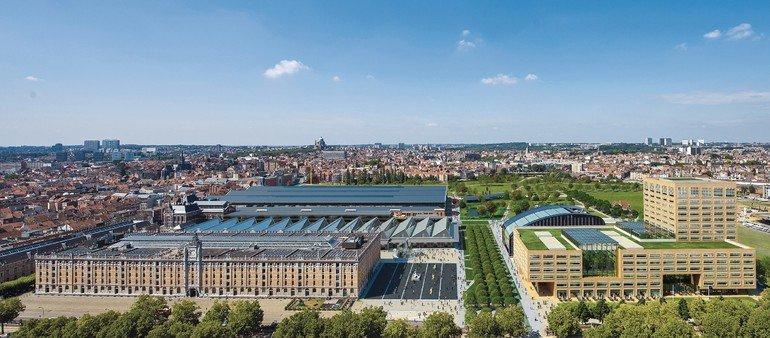 Klinkerfassade für neuen Hauptsitz der flämischen Regionalregierung. Bild: Filip Dujardin | Neutelings Riedijk Architects
