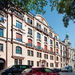 Holz-Denkmalfenster für denkmalgeschütztes Wohn- und Geschäftshaus in München. Bilder: Kneer-Südfenster