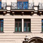 Die Holzdenkmalfenster sorgen für ein authentisches Erscheinungsbild und zugleich für hohen Wärme- und Schallschutz. Bild: Kneer-Südfenster