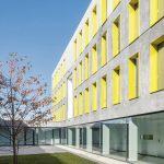 """Im neuen Studentenwohnheim """"Upper West Side"""" von bogevischs büro architekten sorgen u.a. zahlreiche Schallschutztüren für ruhiges Wohnen und Arbeiten. Bilder: Schörghuber"""