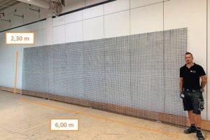 Metallgitter mit den Maßen 2,30 auf 6,00 m. Bild: solidian