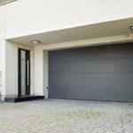 Prime-Garagentore können in sehr vielen Farben, auch passend zur Haustüre geliefert werden. Foto: Wisniowski