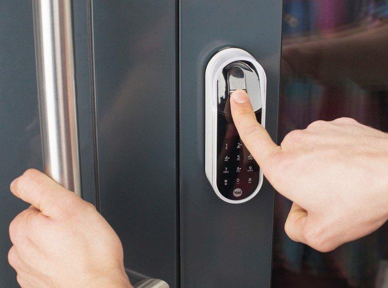 Zutrittskontrollsystem: Der nachrüstbare elektronische Schließzylinder ENTR von Assa Abloy bietet er eine sichere und komfortable Alternative zum Schlüssel.