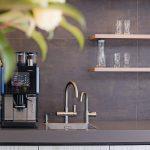 Armaturen in einer Teeküche. Bild: Grohe