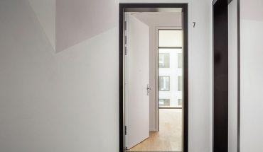 Einbruchschutztüren aus Holz für Wohnungen sind individualisierbar. Bild: Lindner-Group