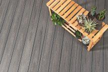 """In drei neuen Grautönen bringt Naturinform seine Terrassendiele """"Die Exklusive"""" auf den Markt: in Basalt-, Lava- und Dolomitgrau. Bild: Naturinform"""