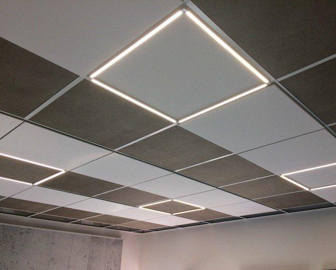 Stilvoll und leuchtstark integriert: Für Unternehmen und öffentliche Gebäude bietet Owa eine Akustikdecke mit integrierter LED-Beleuchtung an. Bild: Owa