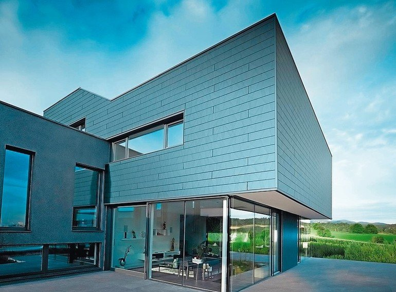 Fassadenpaneele FX.12 wurden erweitert um Siding.X: optisch wandelbares Oberflächendesign für ein lebendiges Fassadenbild. Bild: Prefa/Croce & Wir